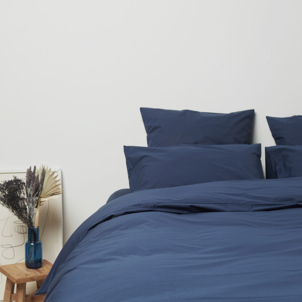cotton-percale-bedroom-midnight-blue-