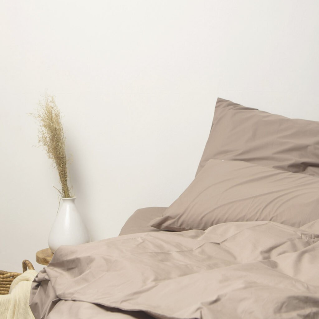 cotton-percale-bedroom-taupe-2