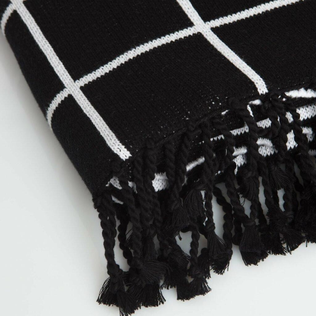 throw jacqard with tassel black+white 130x180 2